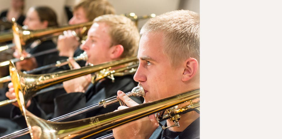 Symphonic band and theatre to tour
